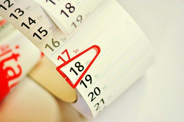 Podaruj swoim klientom kalendarz z logo twojej firmy