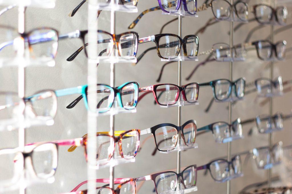 Jakiego producenta okularów wybrać?